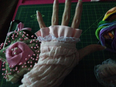 DIY Himegyaru Gloves - Sewing