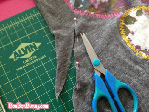 easy tshirt diy slouchy sleeve to repair stains (4)