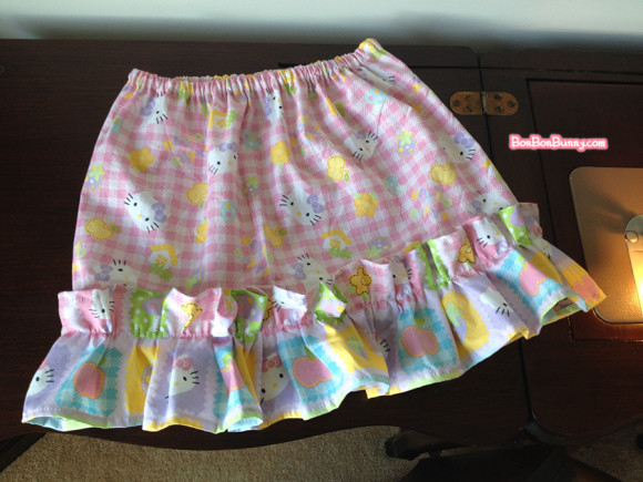 hello kitty fairy kei skirt sewing tutorial (21)