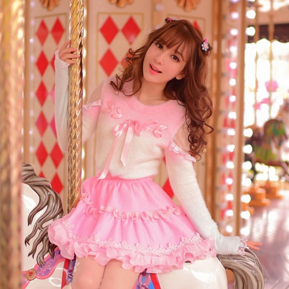 Warm Winter Skirts & Sweaters for Pretty Pink Princess Gals (1)
