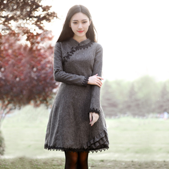 Earthy & Romantic Winter Dresses for the New Year!! (5)