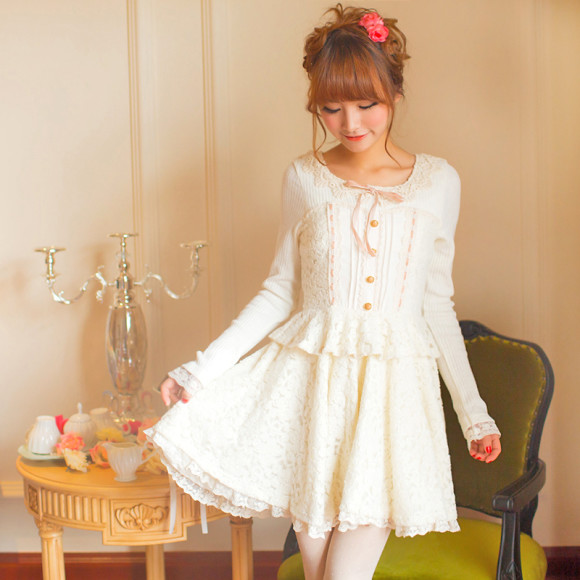 Pretty White Winter Dresses for Snow Princesses (3)