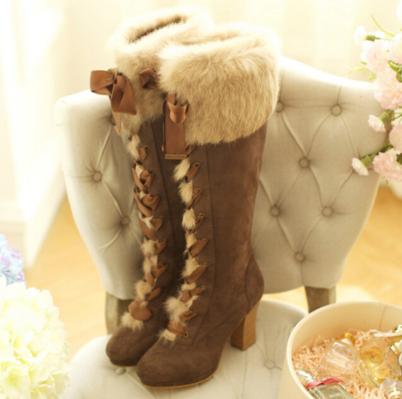 Warm Winter Boots & Cute Cardigans Perfect for Larme-Kei (1)