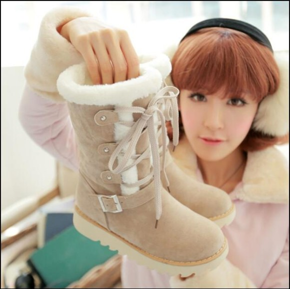 Warm Winter Boots & Cute Cardigans Perfect for Larme-Kei (2)